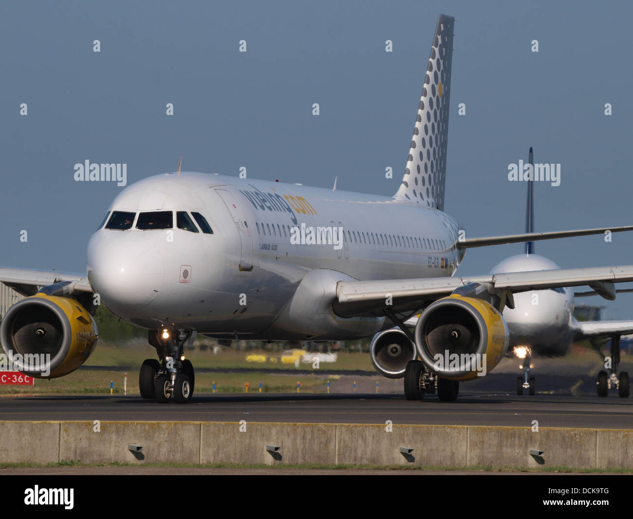 EC-ICR Vueling Airbus A320-211 - cn 240 taxiing 18july2013 pic-002 - Stock Image