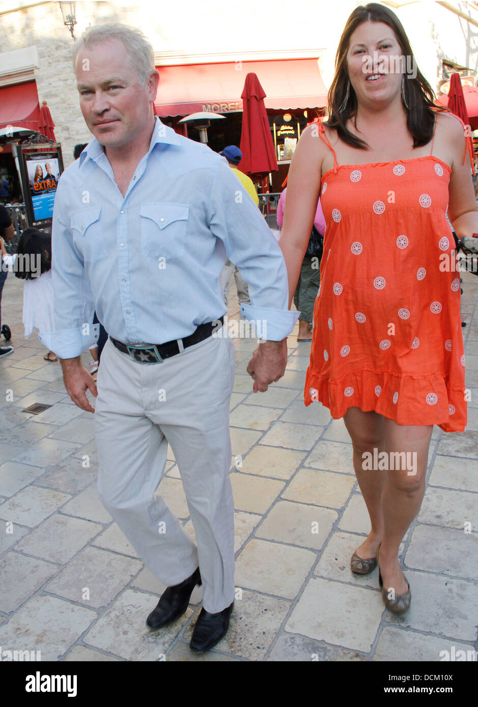 Ruve Robertson High Resolution Stock Photography And Images Alamy Последние твиты от ruairi robertson phd (@ruairirobertson). https www alamy com stock photo neal mcdonough and his wife ruve robertson taking a stroll at the 59446826 html
