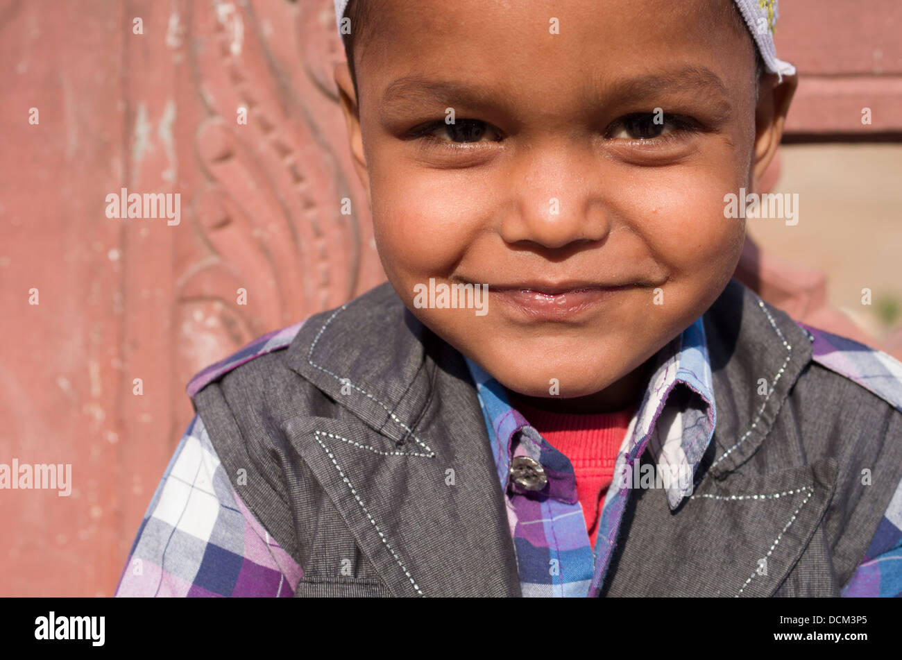 INdian child at Amber ( Amer ) Fort / Palace - Jaipur, Rajasthan, India - Stock Image