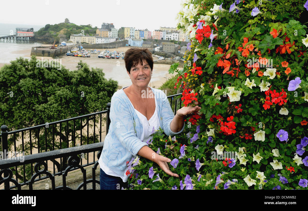 Town mayor Sue Lane in Tenby Pembrokeshire. STOCK PICTURE  Re: Seagulls displaying aggressive behaviour at one of - Stock Image