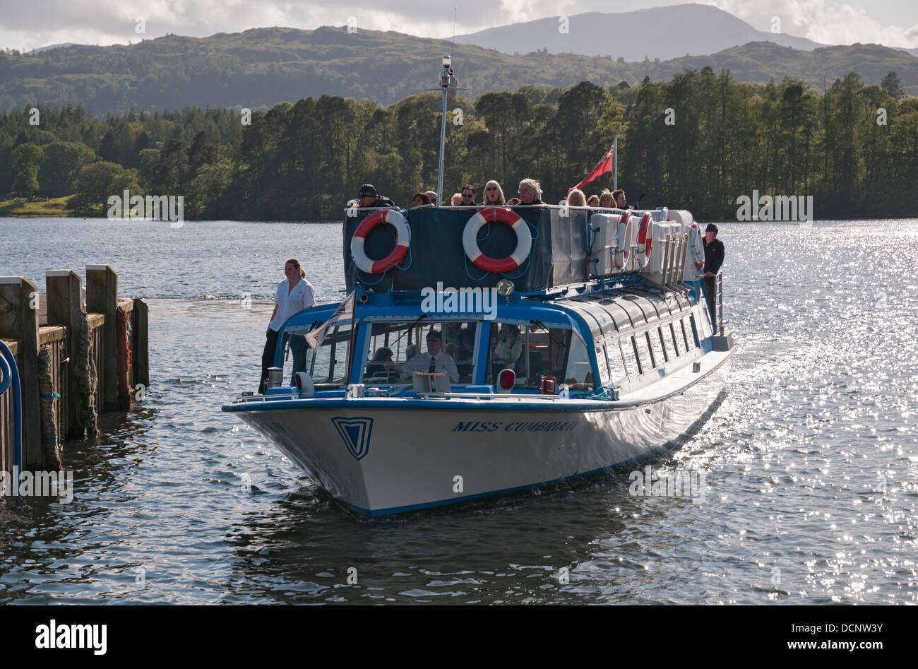 Great Britain, England, Cumbria, Lake District, Lake Windermere, tour boat Miss Cumbria IV docking at Ambleside - Stock Image