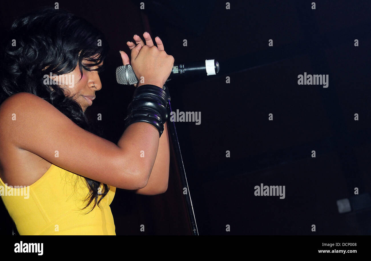 Melanie Fiona  performs at the Gulfstream Casino during the inaugural 'Walk A Mile In Her Shoes Cocktail Party' - Stock Image