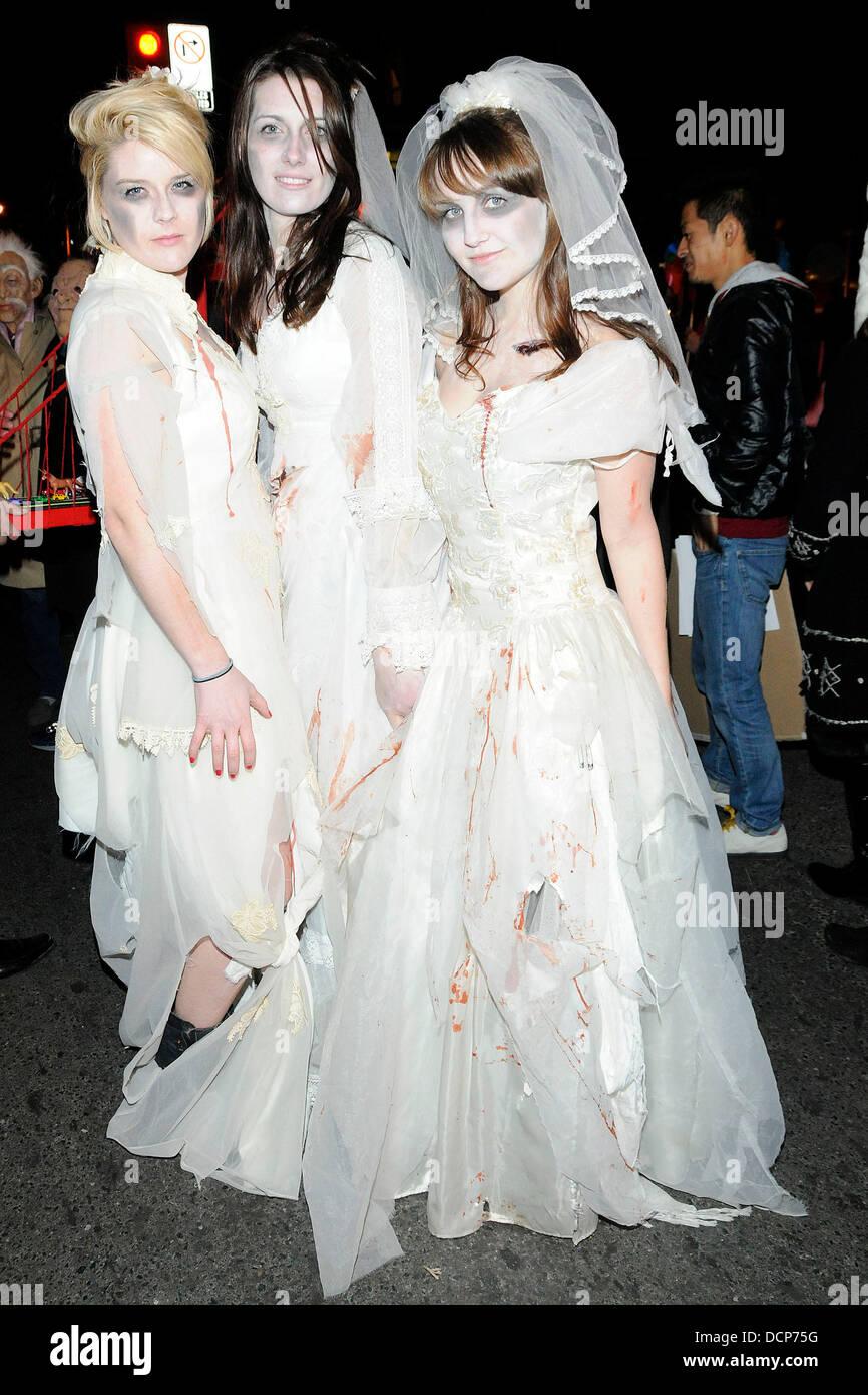 Halloween Bride.Zombie Corpse Bride Costume Annual Halloween On Church