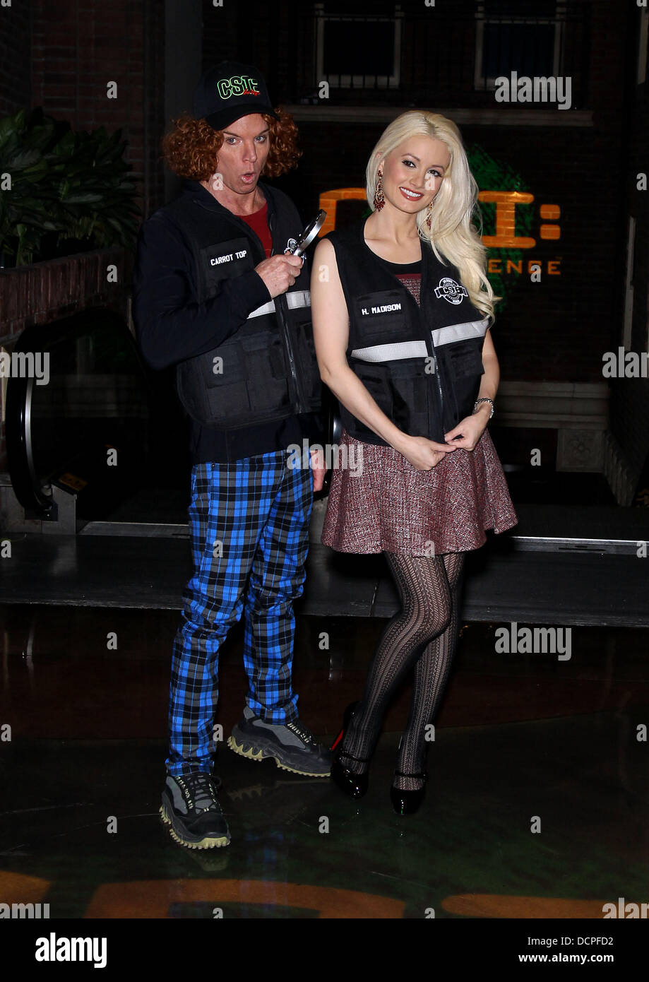 Holly Madison And Scott Thompson Aka Carrot Top Csi The Experiences 2 Year Anniversary At