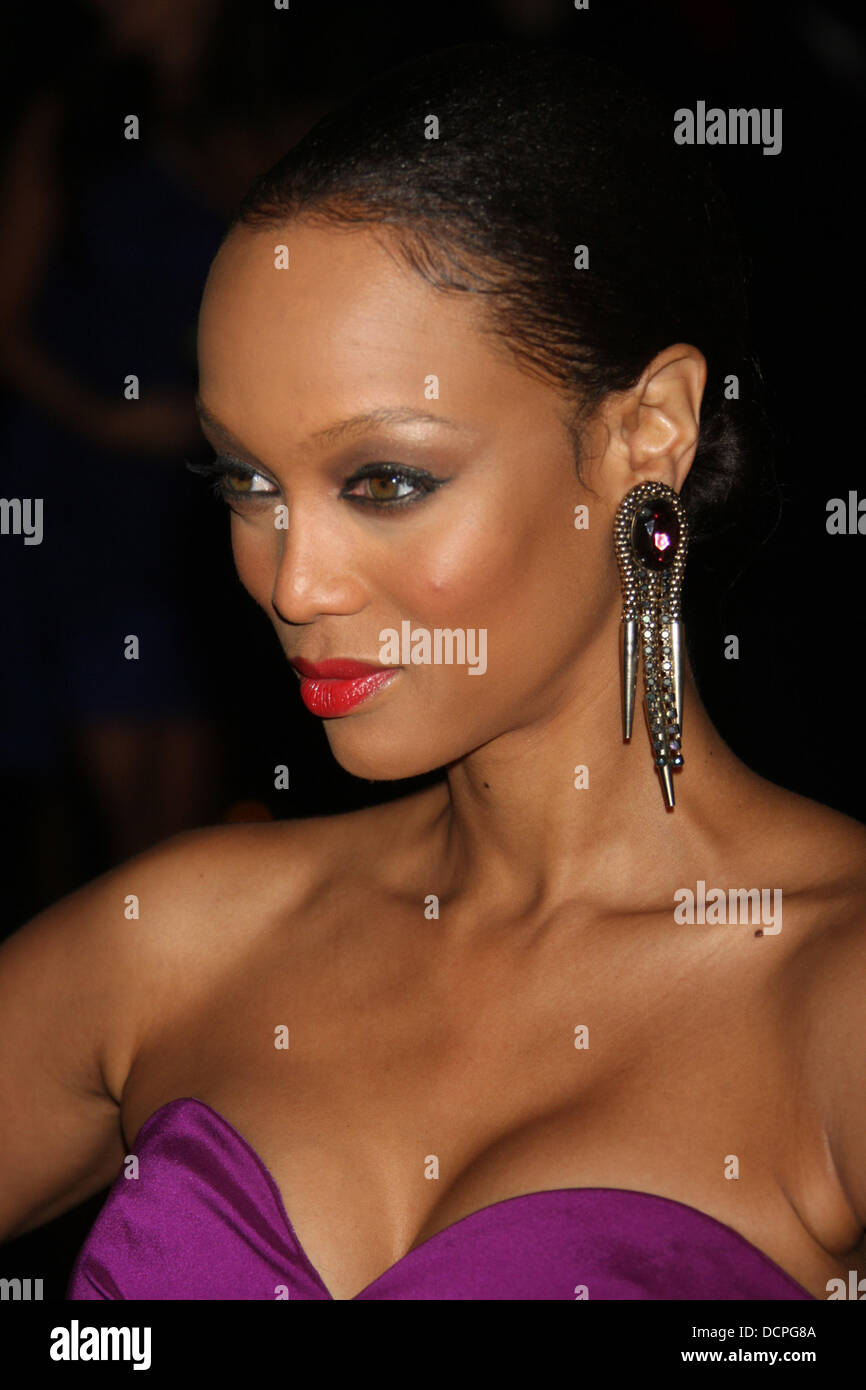 Tyra Banks 8th Annual Keep A Child ...