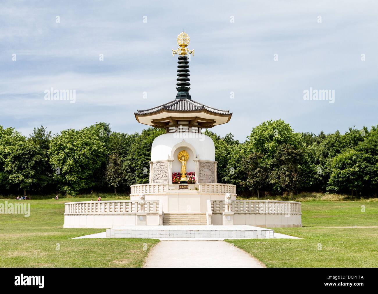 The Peace Pagoda, Milton Keynes - Stock Image