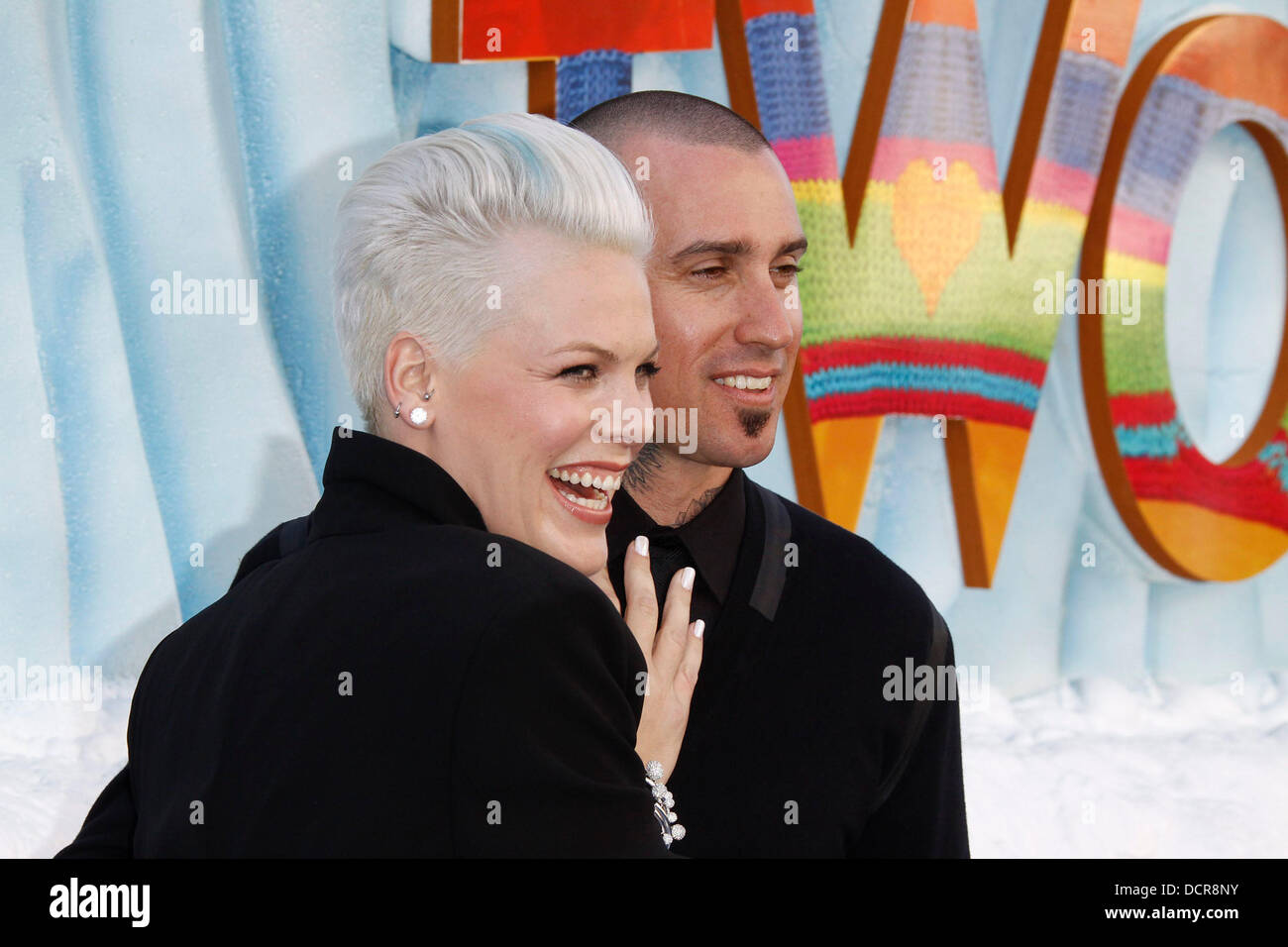 pink alecia beth moore and carey hart stock photos amp pink