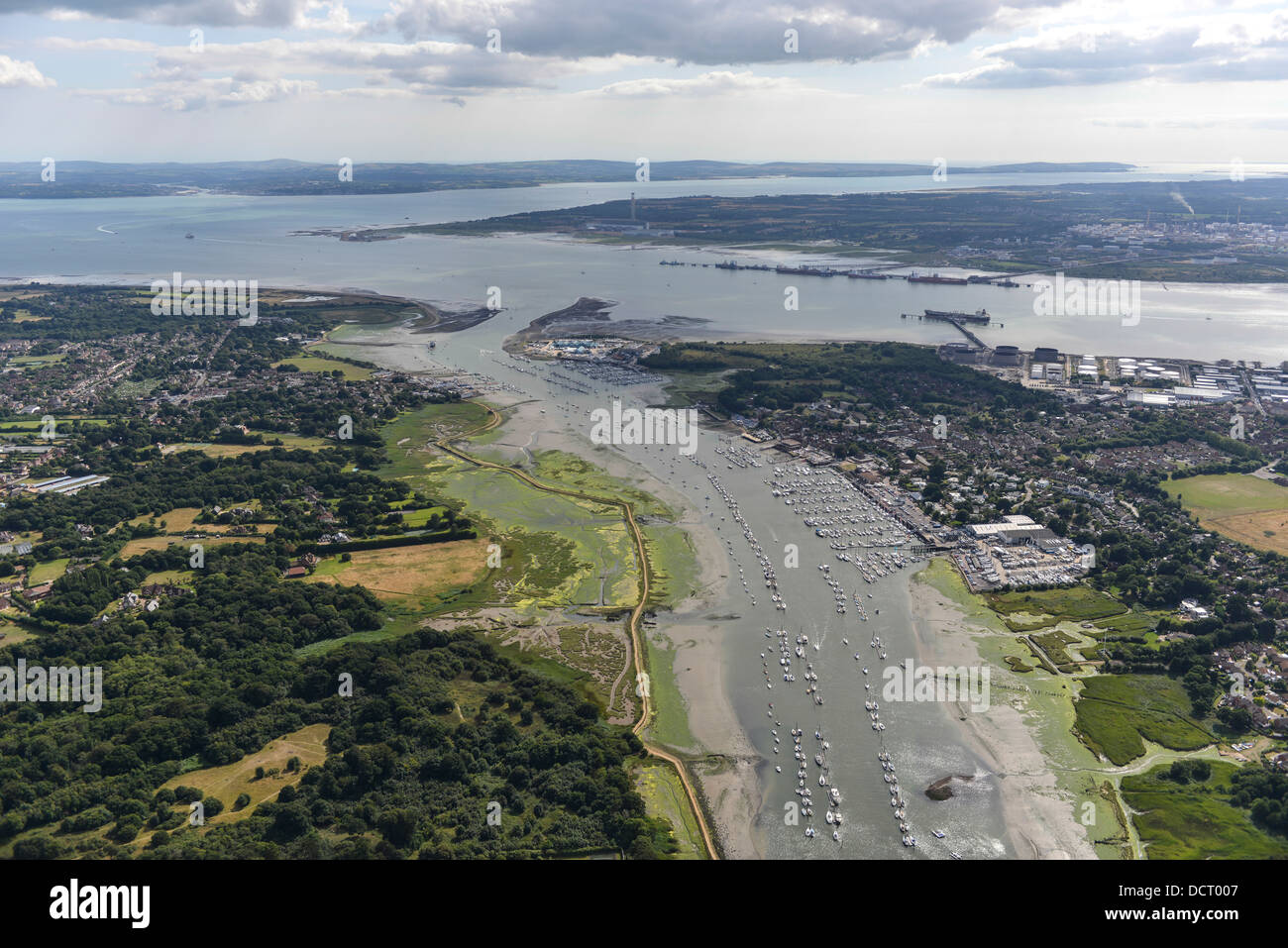 Aerial photograph of River Hamble looking South into Southampton Water - Stock Image