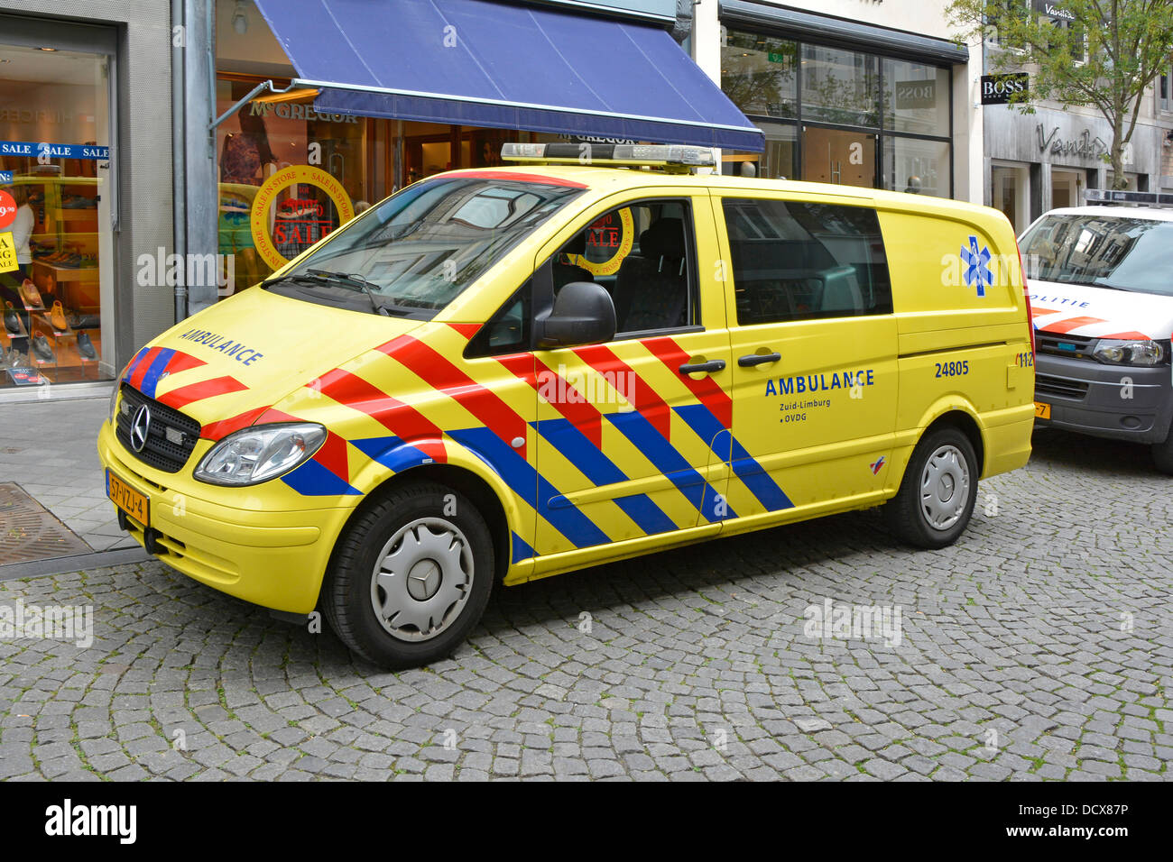 Mercedes Benz Ambulance Stock Photos & Mercedes Benz