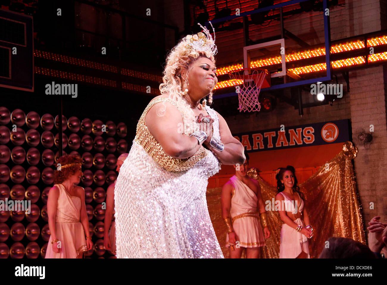 Queen Latifah,Chahat Khanna 2011 Hot nude Heather Craney,Colin Morgan (born 1986)