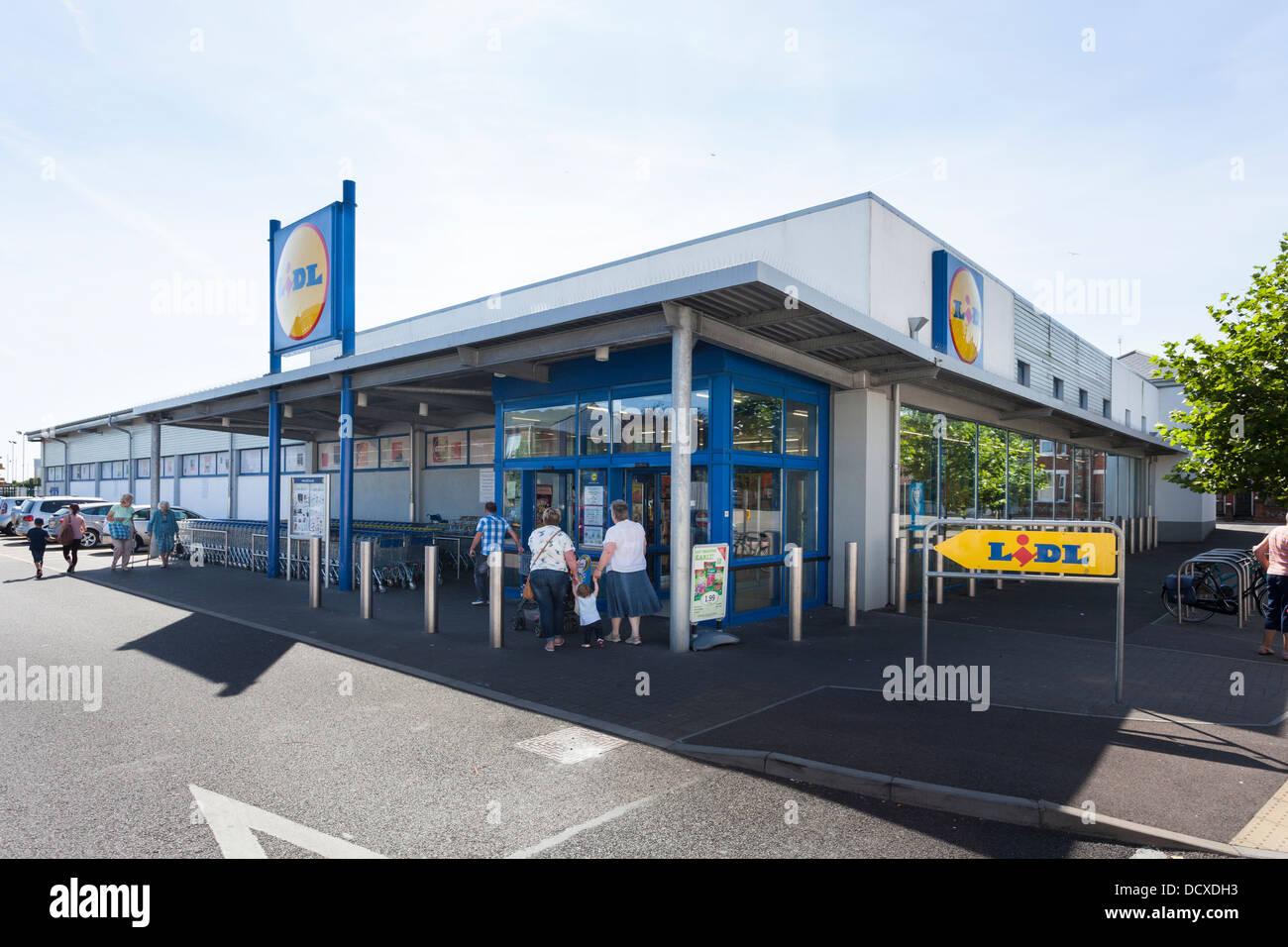 Lidl Supermarket Exterior Littlehampton Stock Photo-3079