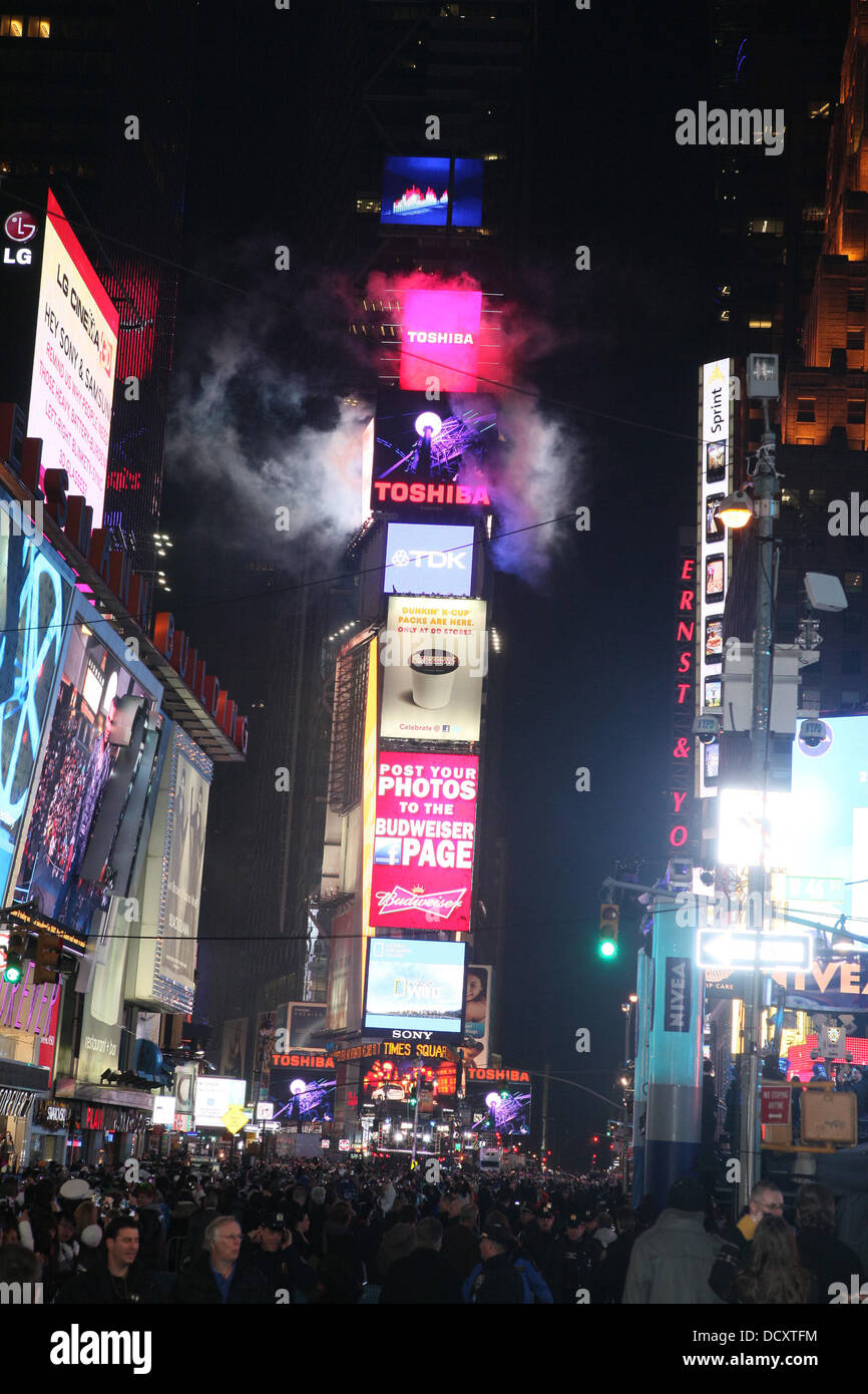 Atmosphere The Times Square New Year's Eve Countdown New