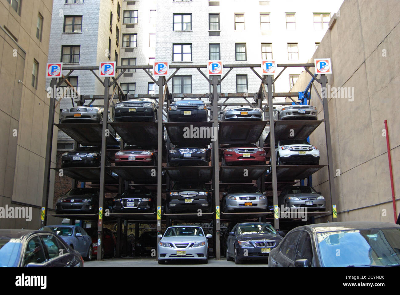 unusual car park stacking system manhattan new york united states stock photo 59616514 alamy. Black Bedroom Furniture Sets. Home Design Ideas