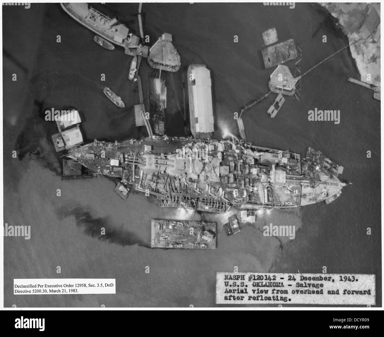 NASPH 5E120142- 24 December 1943, USS Oklahoma- Salvage, Aerial view from overhead and forward after refloating - Stock Image
