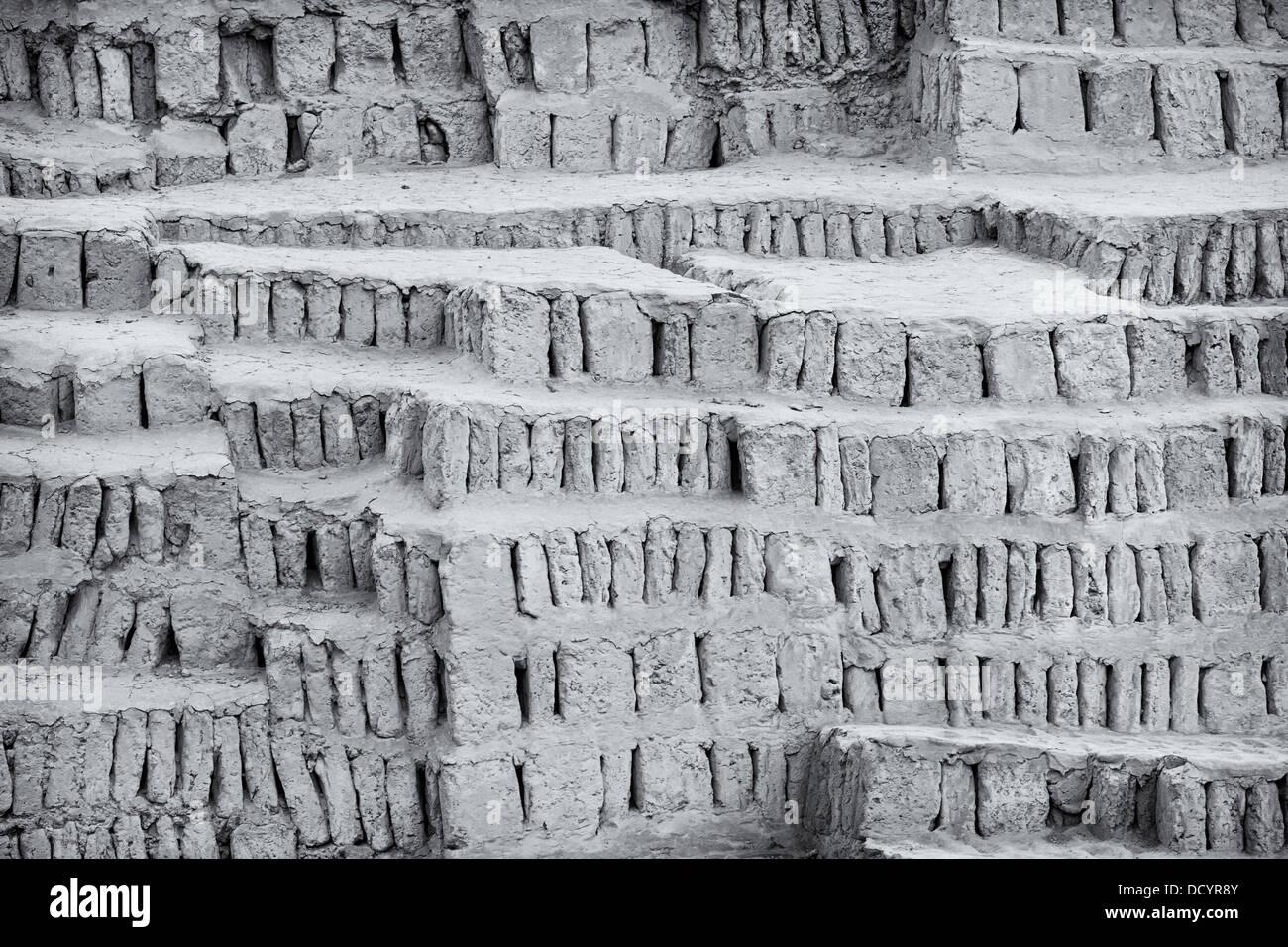 hvordan bruger forskere radioaktive dating til at bestemme fossilernes alder