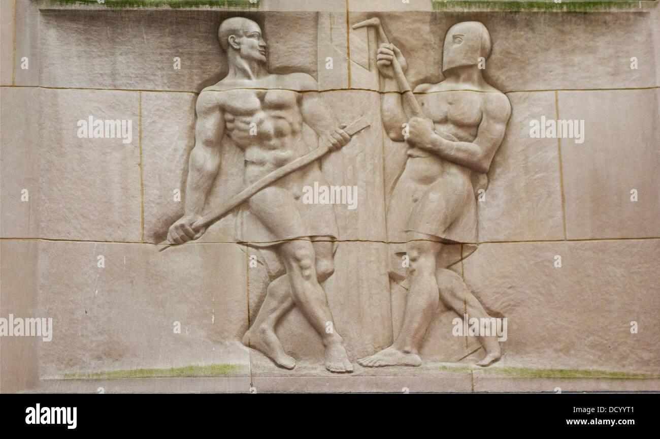 commemorate workmen mural in Rockefeller plaza - Stock Image