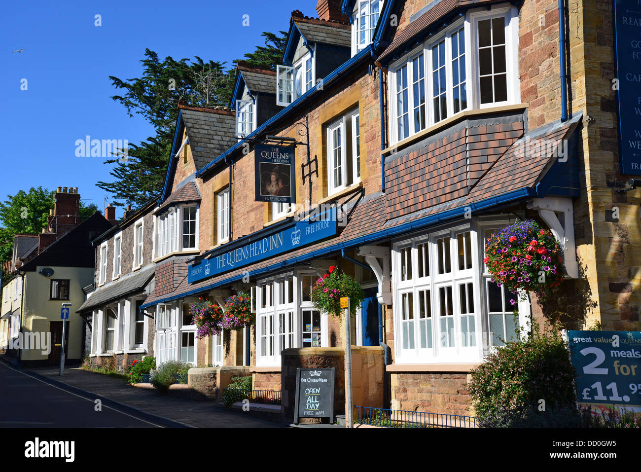Queens Head Hotel, Holloway Street, Minehead, Somerset, England, United Kingdom - Stock Image