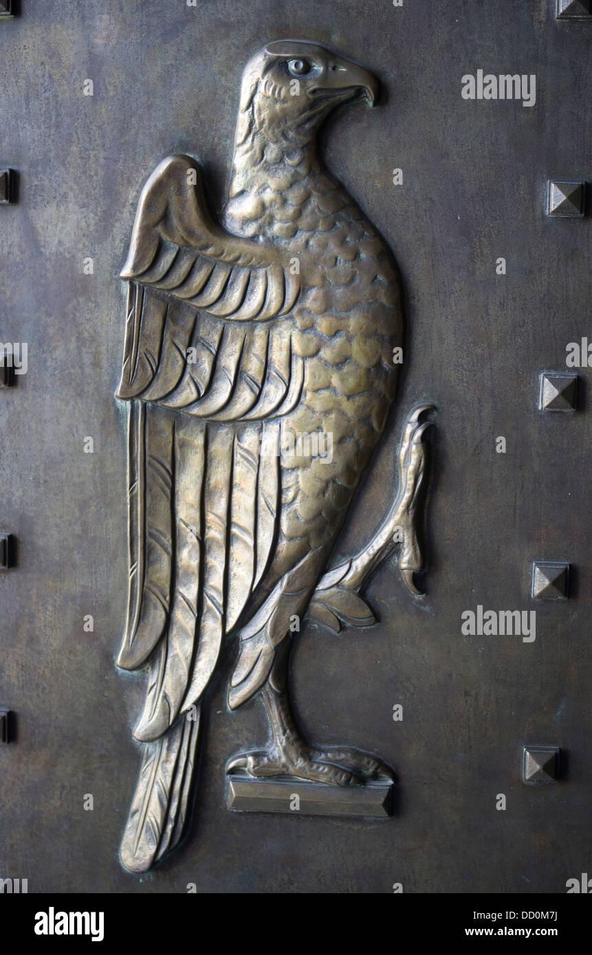 Eagle on the doorway of Umaid Bhawan Palace - Jodhpur, Rajashtan, India - Stock Image