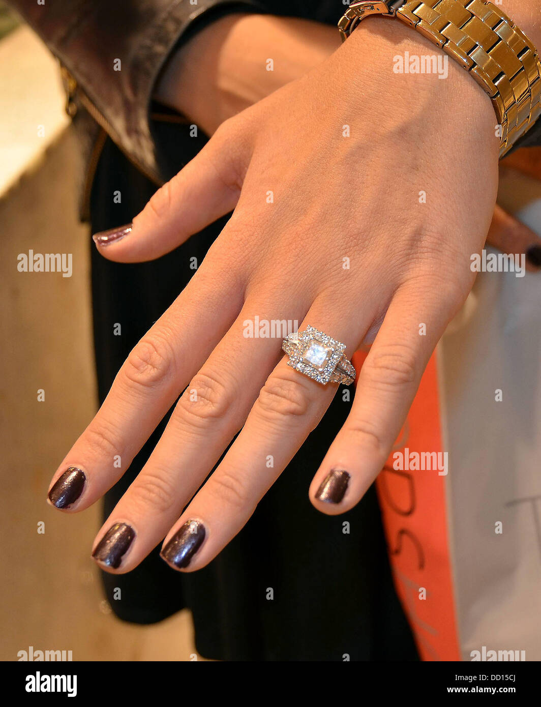 Vogue Williams Shows Off Her Engagement Ring While Shopping On Stock