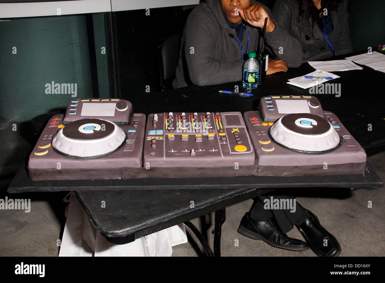 Cool A Dj Turntable Themed Cake Is Brought Out Connor Cruises 17Th Birthday Cards Printable Benkemecafe Filternl