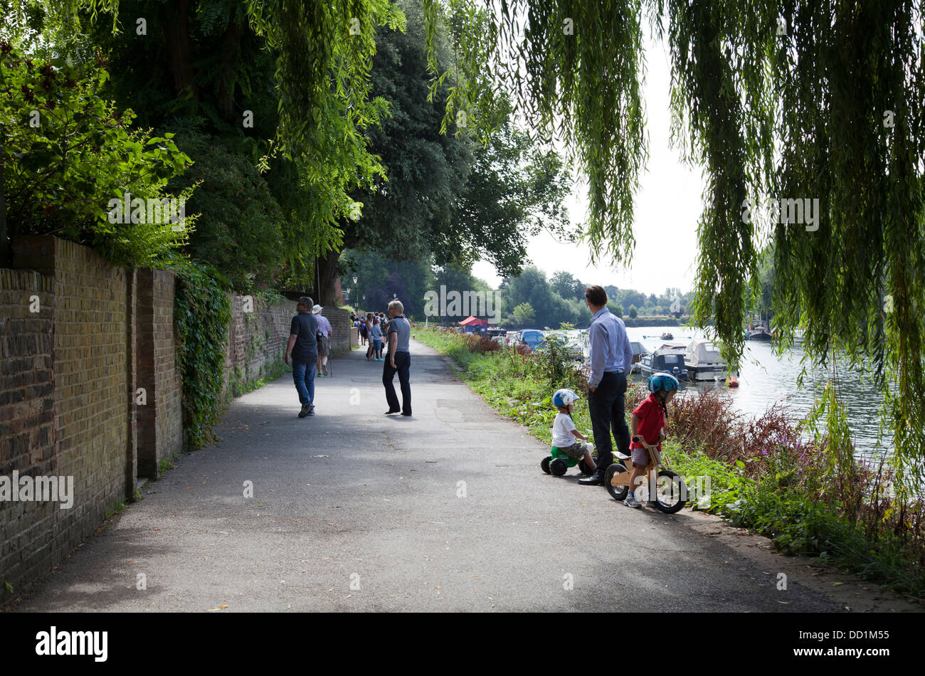 Richmond Towpath in TW9 - London UK - Stock Image