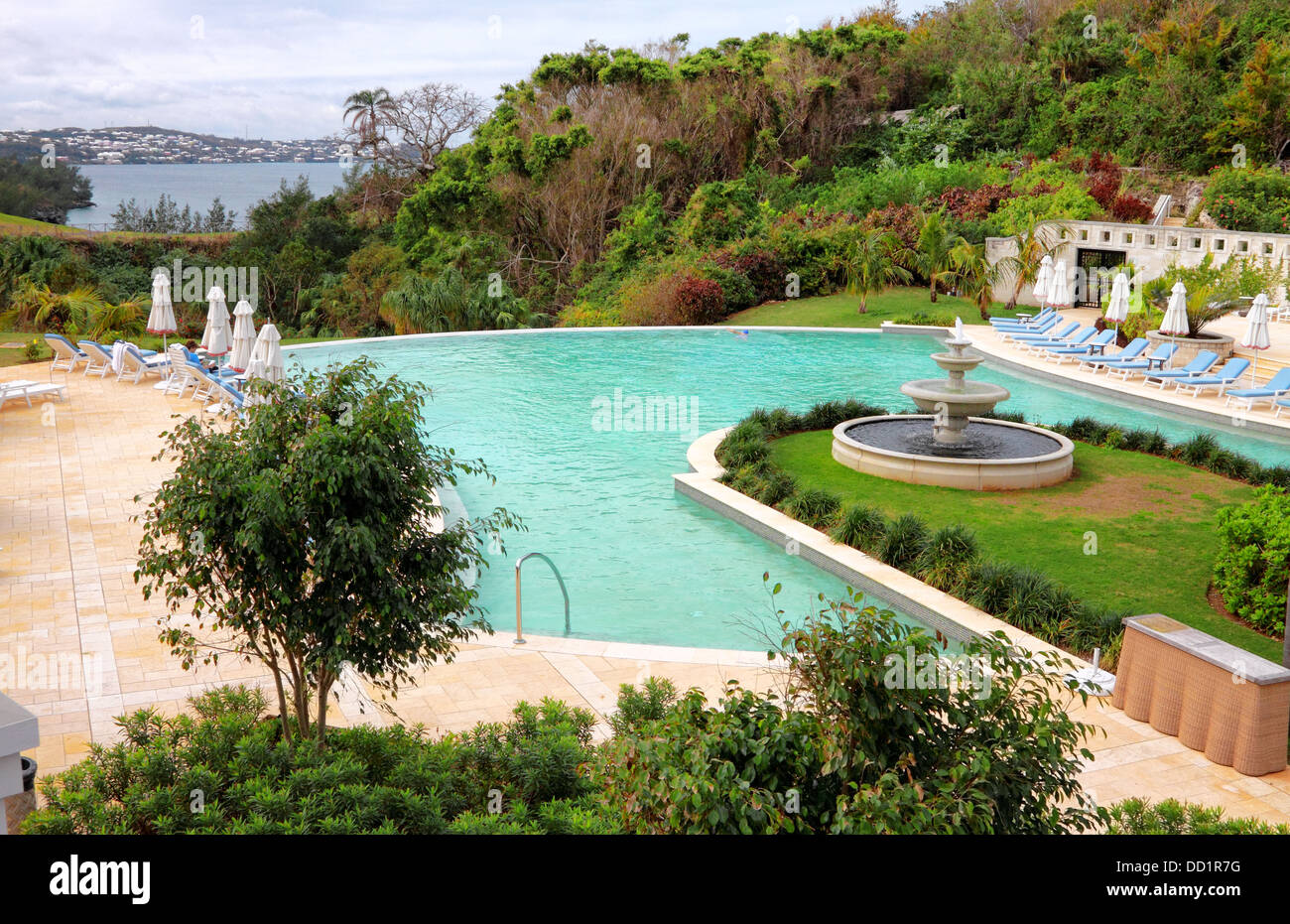 Seaside swimming pool in Mid Ocean Club, Tucker\'s Town ...