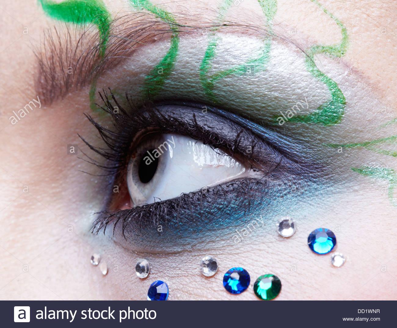 girl's eye zone bodyart - Stock Image