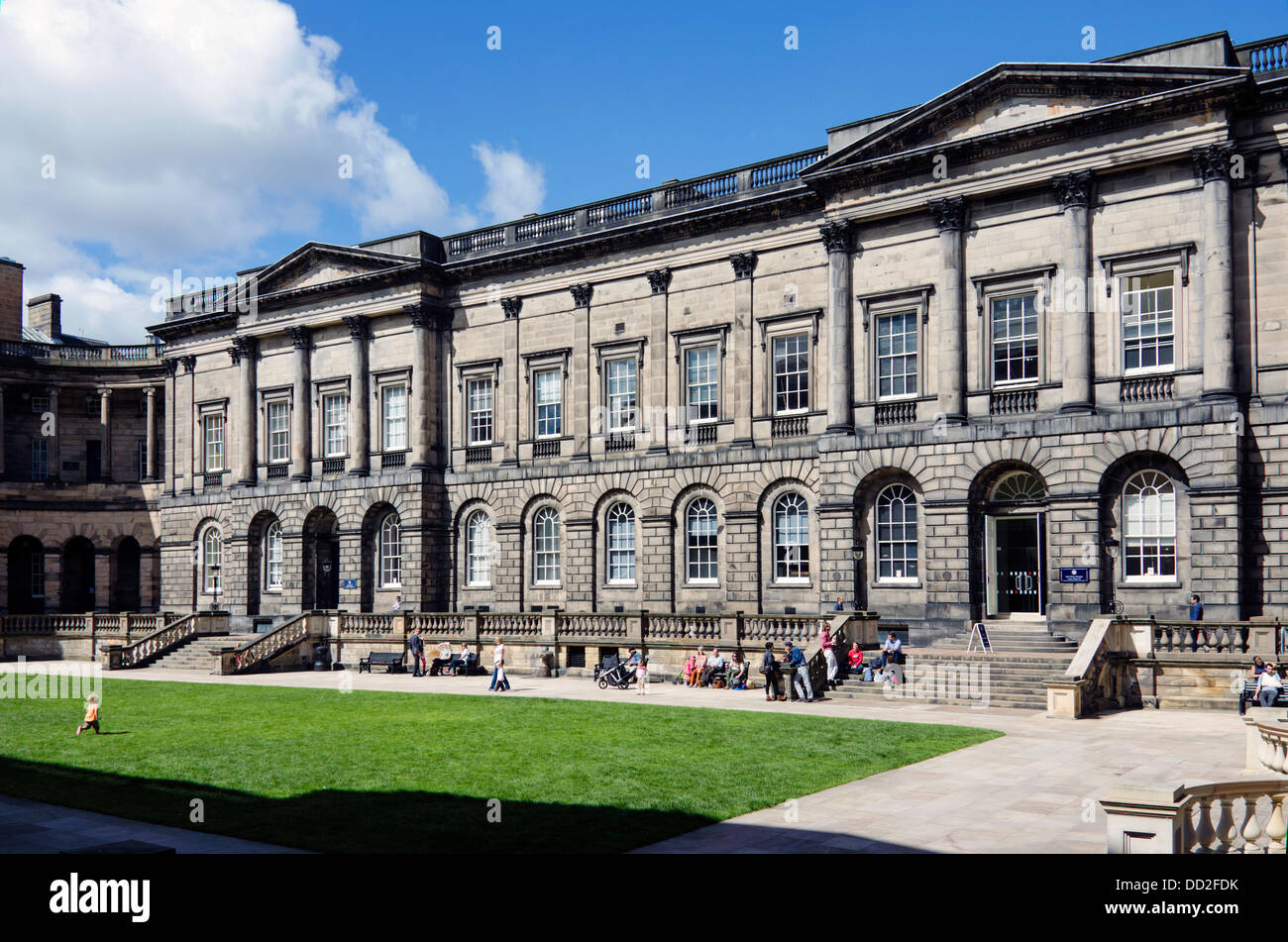 The Quad of Old College, part of the University of Edinburgh. Designed by Robert Adam and begun in 1789 - Stock Image