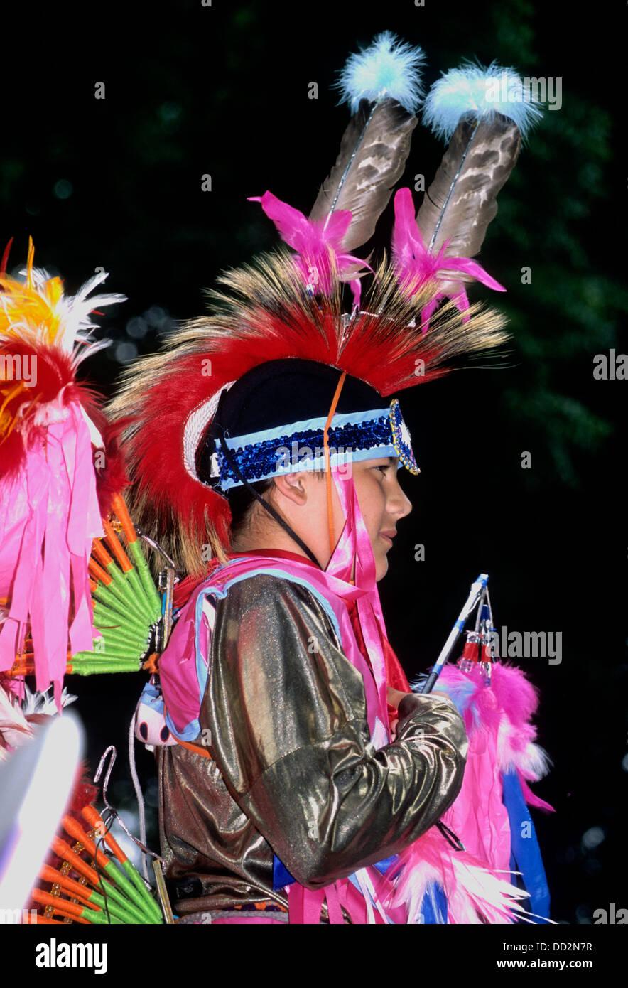 Nez Perce Indian in full dancing regalia at a powwow at the Nez Perce National Historic Park, Lapwai, ID - Stock Image