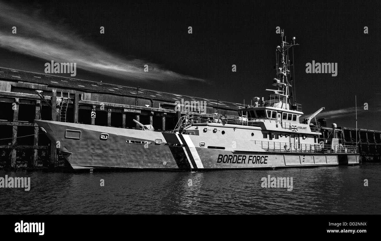 B&W image of a border force ship mooring in Newhaven - Stock Image