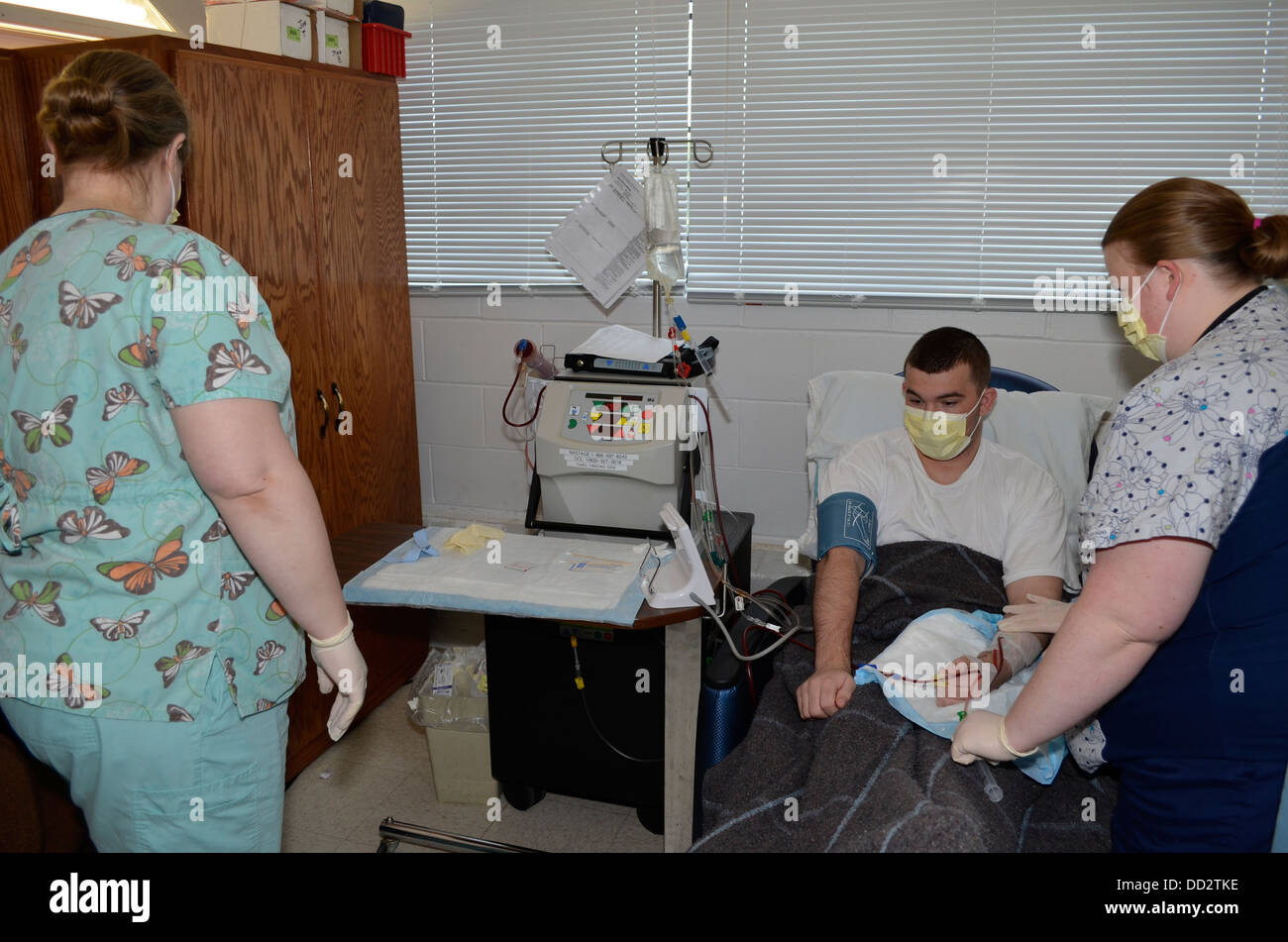 Inmate receives dialysis in the medical unit of a maximum security prison, Nebraska State Penitentiary. - Stock Image