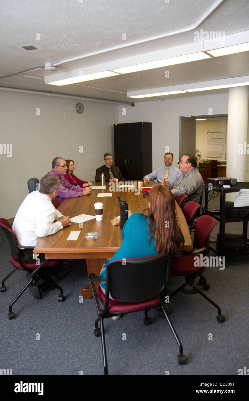 Mental health staff meeting at a maximum security prison. Lincoln Correctional Center, Lincoln, Nebraska. - Stock Image