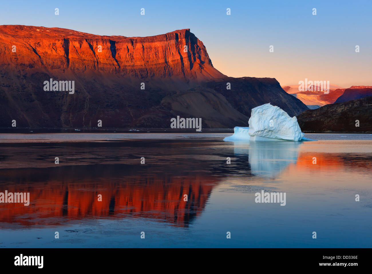 Sunrise in the Røde Fjord, Scoresby sund, Greenland - Stock Image