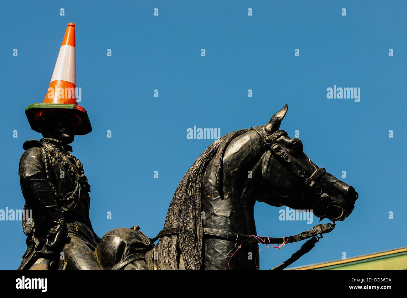 The Duke of Wellington Statue in Glasgow, with the cone on his head. The statue is outside the Gallery of Modern - Stock Image