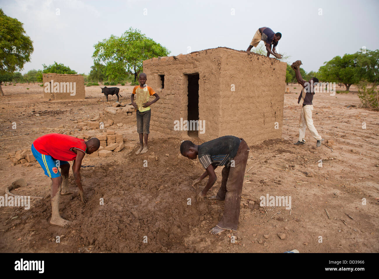 Construction work in Dédougou province, Burkina Faso, West Africa. - Stock Image