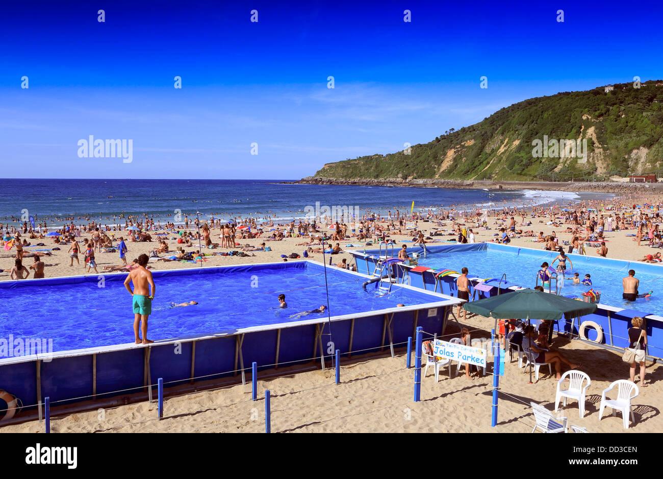 Swimming Pool Uses : Swim swimming hot heat friends stock photos