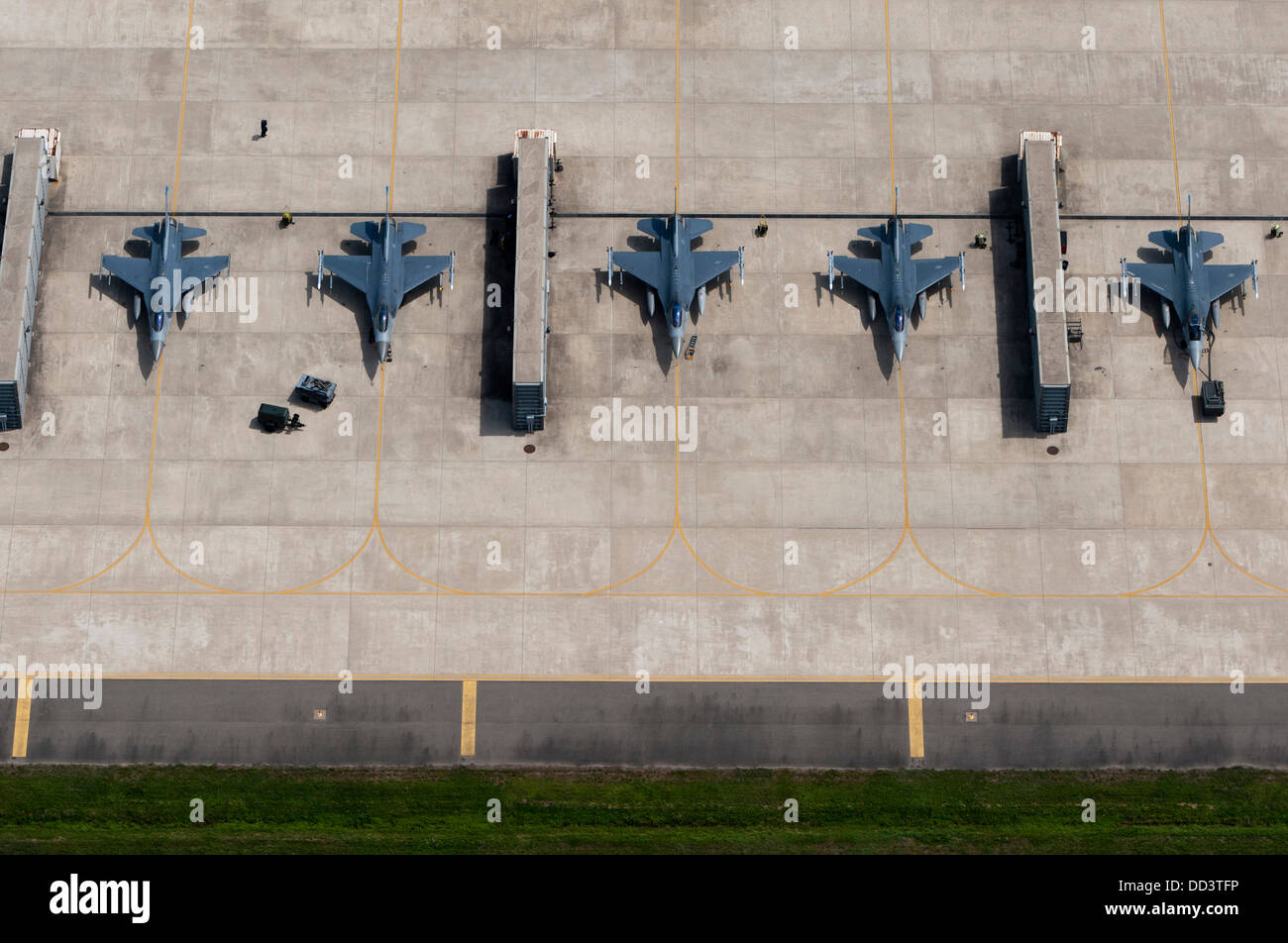 Aerial view of US Air Force F-16 Fighting Falcon aircraft parked at Kusan Air Base August 15, 2013 in Kusan, South - Stock Image