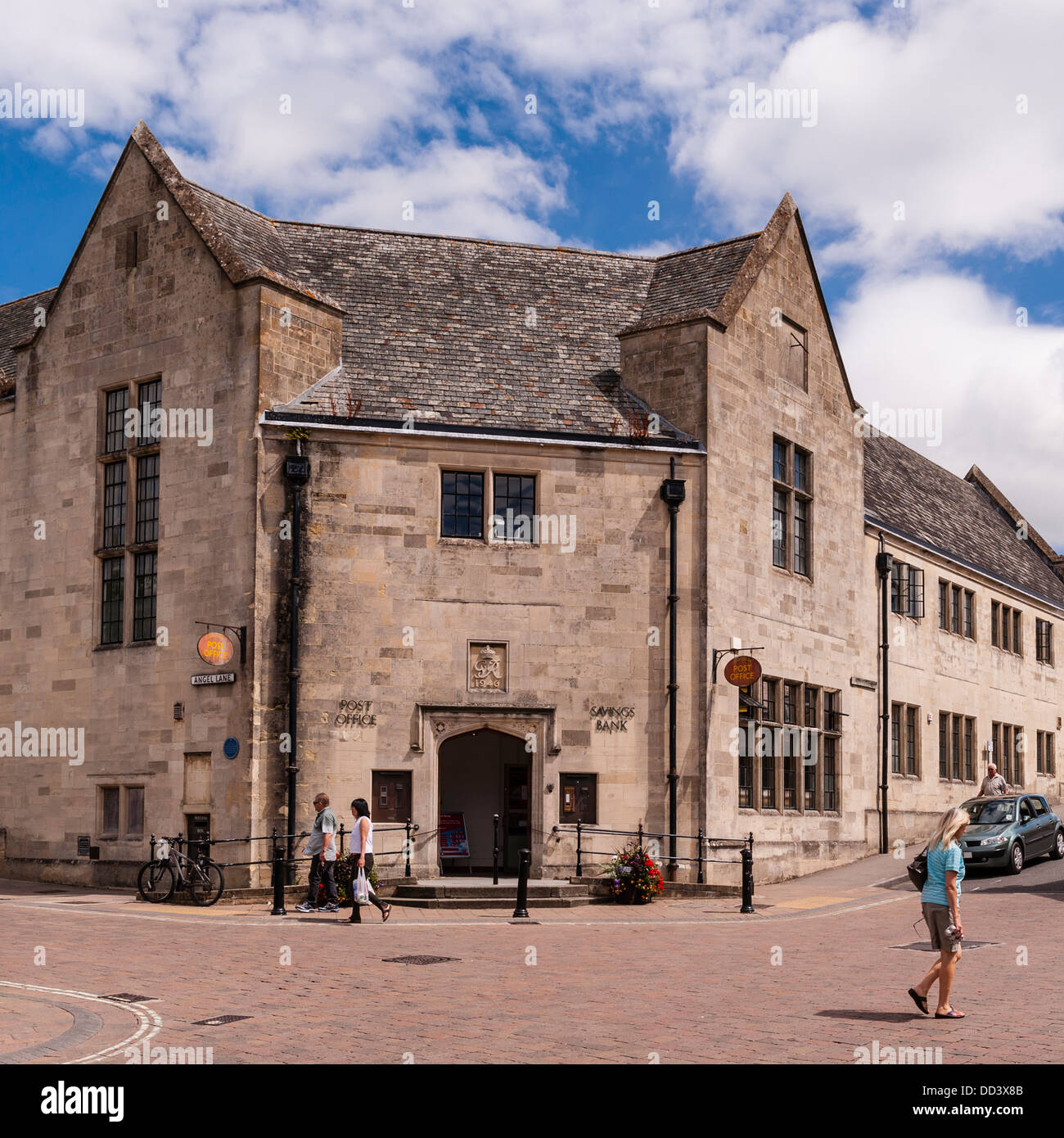 The Post Office in Shaftesbury , Dorset , England , Britain , Uk - Stock Image