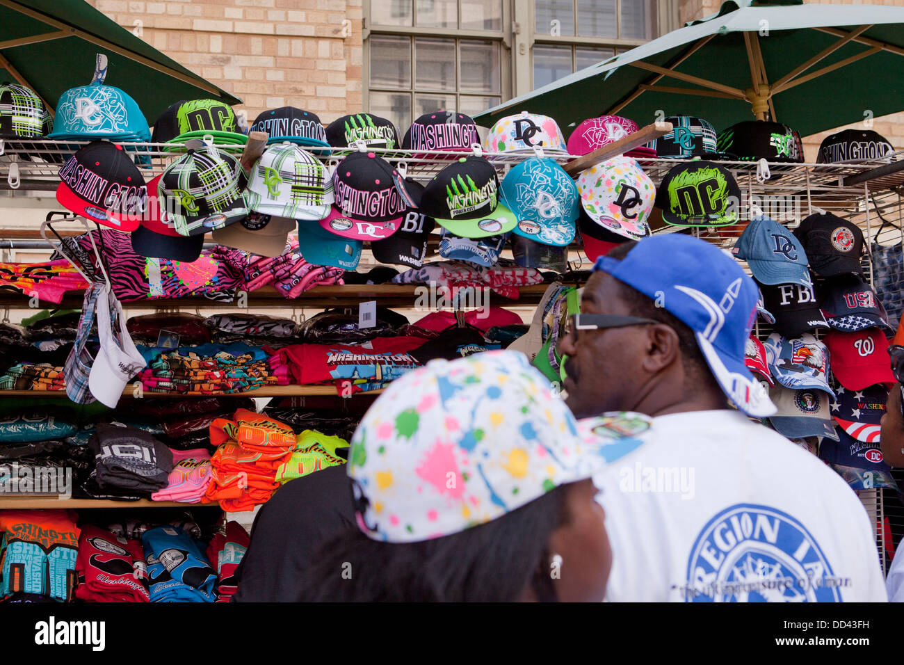 Souvenir hats and T-shirt sales cart in Washington, DC - Stock Image
