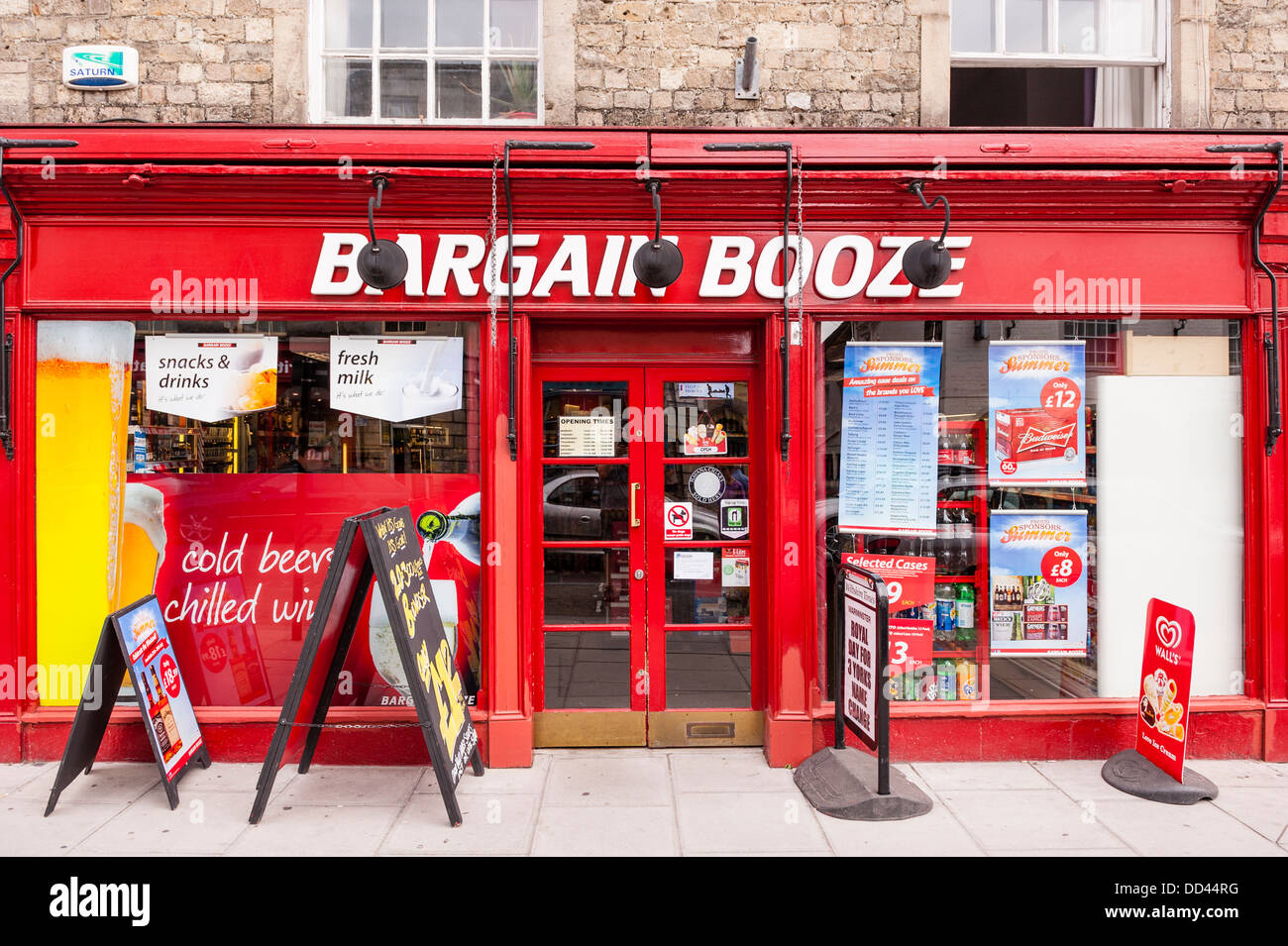 The Bargain Booze Shop store in Warminster in Wiltshire , England , Britain , Uk - Stock Image