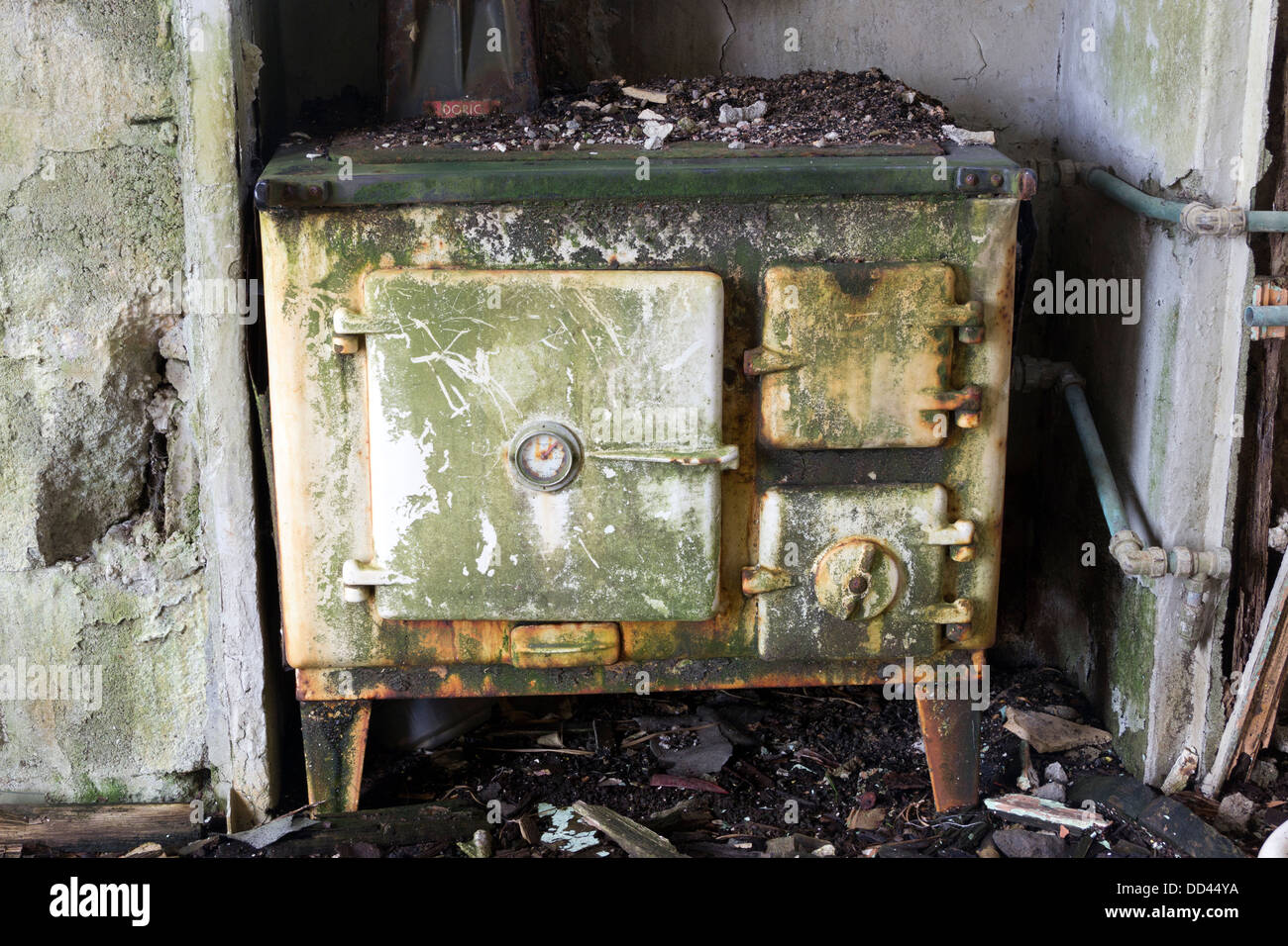 AN old Stove in a derelict croft house Isle Of Lewis UK. - Stock Image