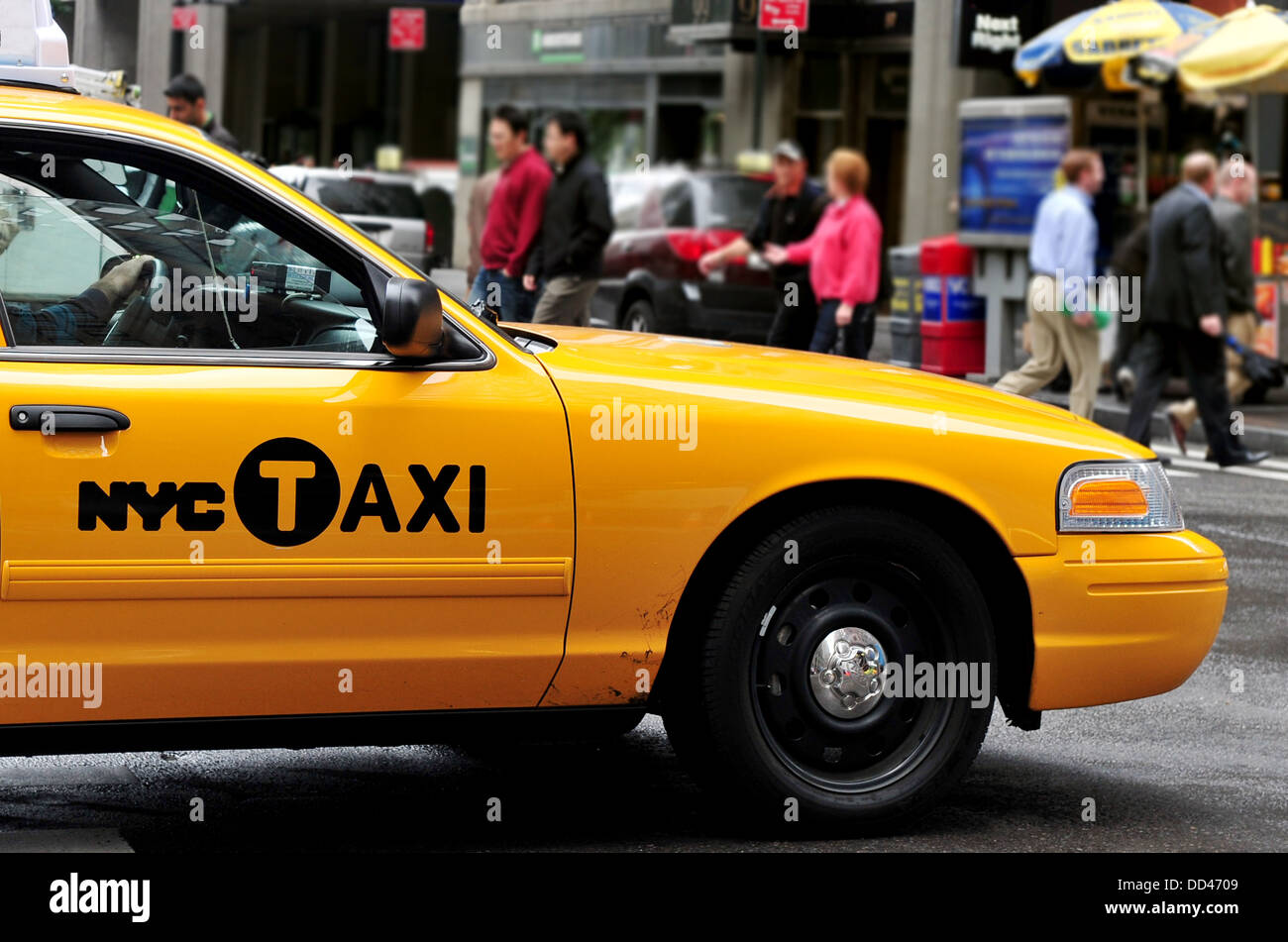 Yellow Taxicab in Manhattan New York City, USA - Stock Image