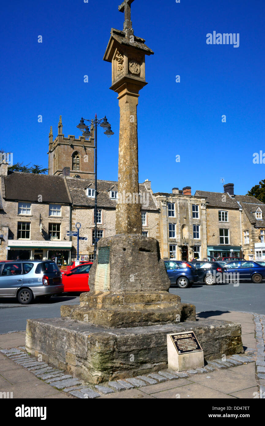 The Market Cross in the Square at Stow-on-the-Wold, Gloucestershire, England. Stock Photo