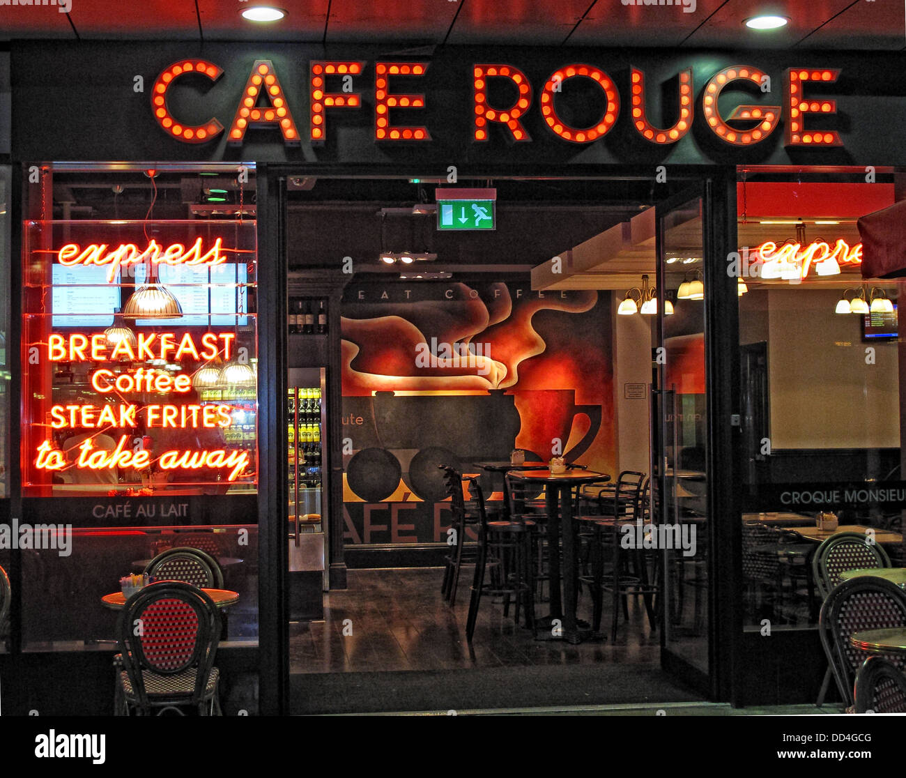 Cafe Rouge Express Restaurant, Euston, London, Casual Dining Group - Stock Image