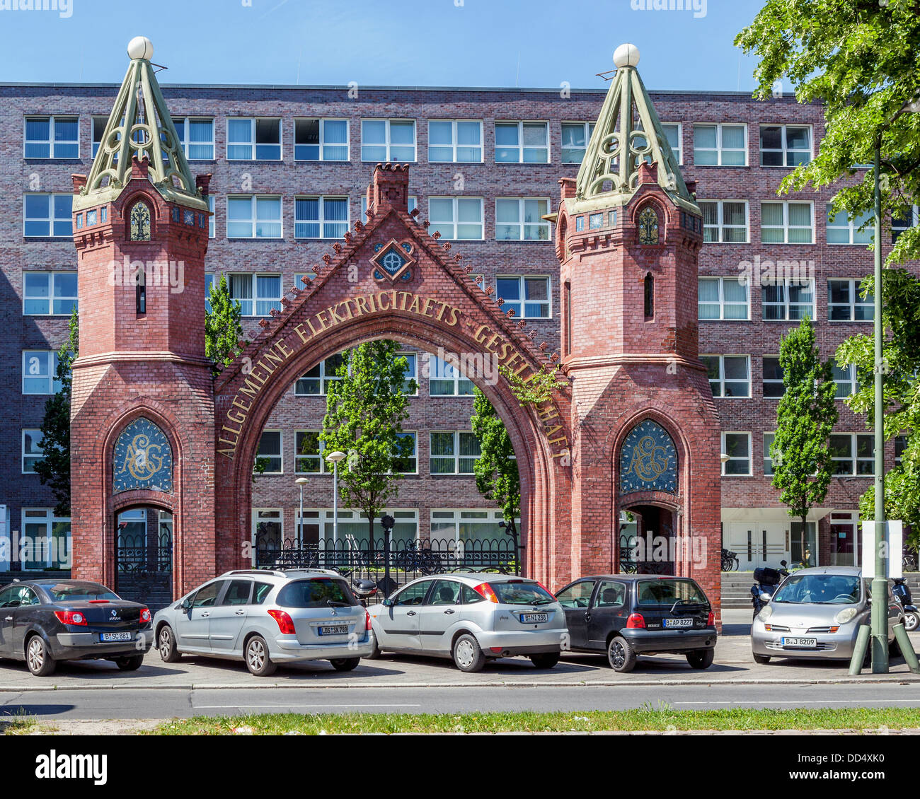 Twin brick turreted pillars at the entrance of the old AEG (Elektricitåts-Gesellschaft) headquarters in Brunnenstrasse, Stock Photo