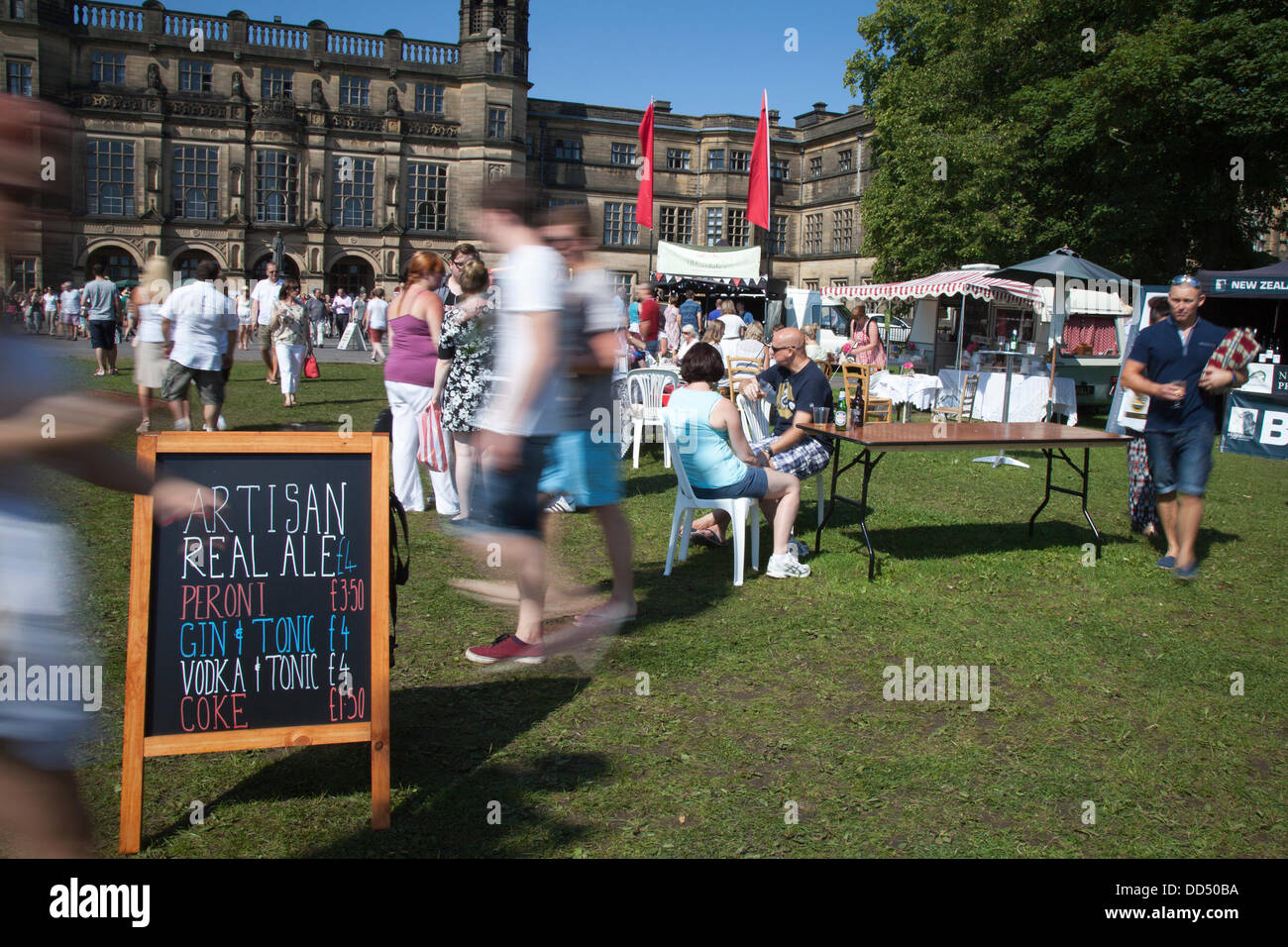 Stonyhurst College, Clitheroe, UK. 26th August, 2013. Crowds and seating at the Great British Food Festival taking - Stock Image