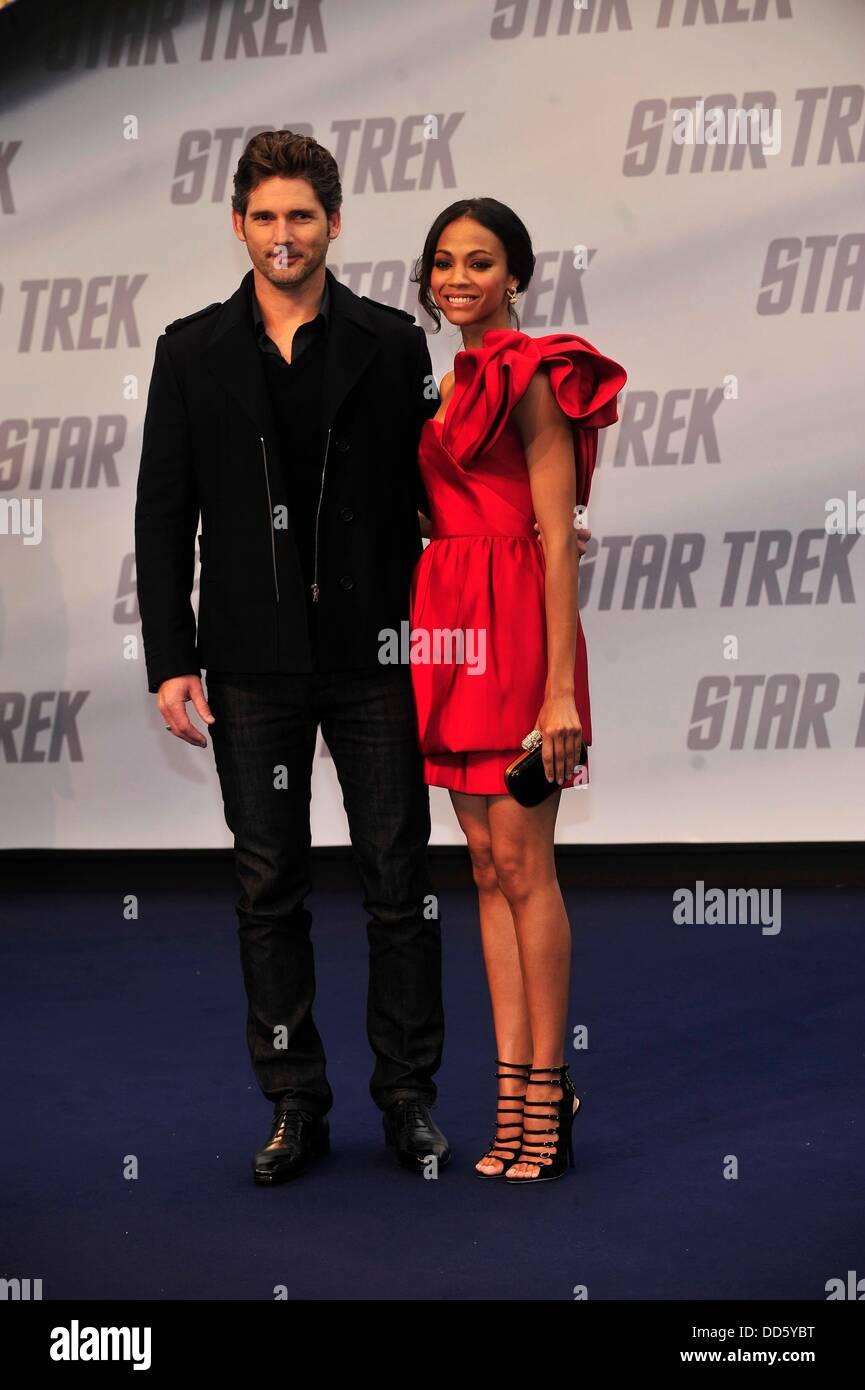 Eric Bana And Zoe Saldana At The Premiere Of Star Trek In