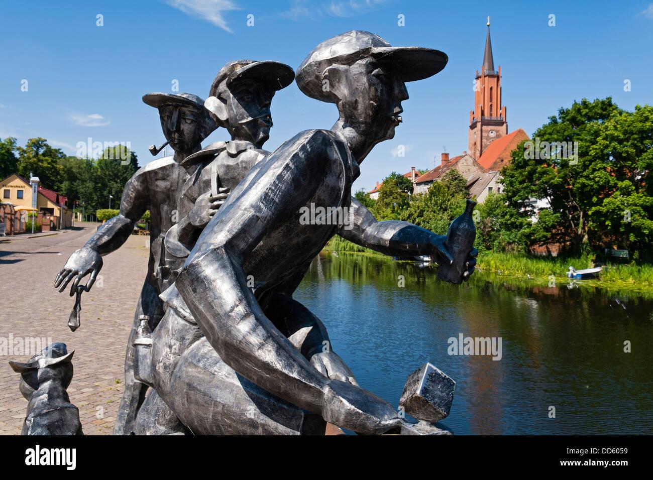 "Sculpture ""Schleusenspucker"", Rathenow, Germany Stock Photo"