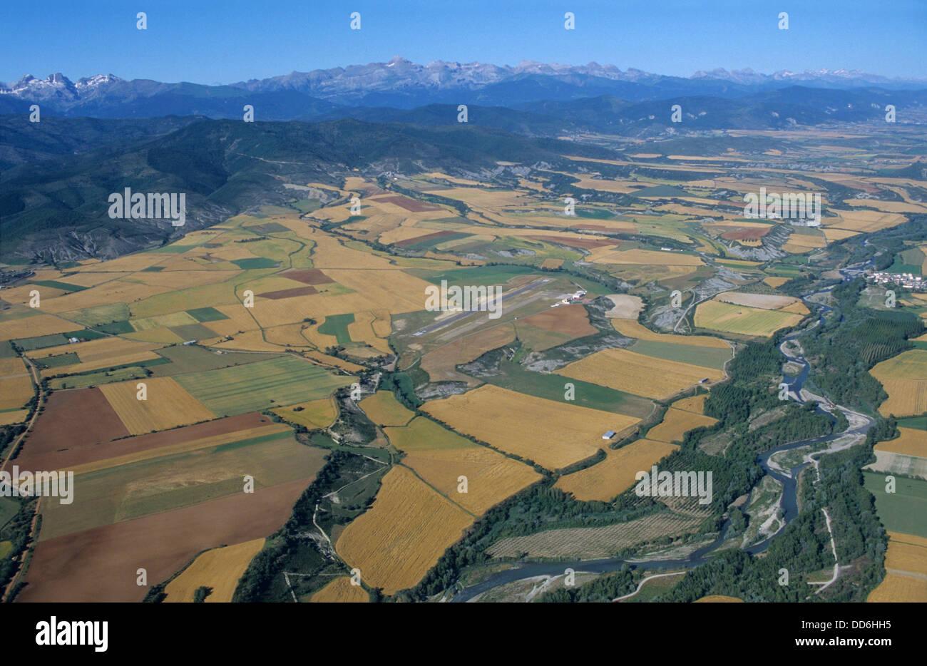 Aerial view of Rio Aragon river and back Pyrenees mountains range near Santa Cilia de Jaca, Aragon, Spain, Europe Stock Photo