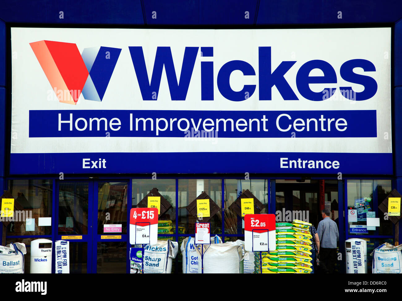 Wickes, store sign, logo, England UK - Stock Image